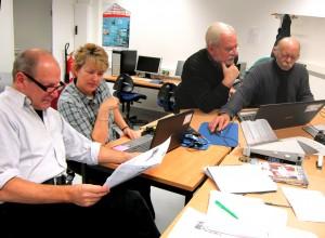 Redaktionsmitglieder bei der Arbeit