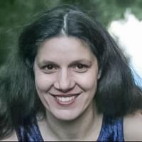 Diplom-Puppenspielerin und Geschichtenerzählerin Birgit Hägele