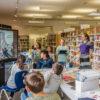 Comic-Workshop in der Stadtteilbibliothek im Falkenhagener Feld (Foto: Regina Schulze-Dau)